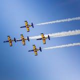 POZNAN POLEN - JUNI 14: Aerobatic gruppbildande Royaltyfri Bild