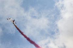 POZNAN POLEN - JUNI 14: Aerobatic gruppbildande Arkivfoton