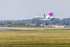 POZNAN, POLOGNE - 14 JUIN : Avion de Wizzair pendant l'Aerofestival 2015 photo libre de droits
