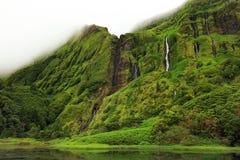 Pozo DA Alagoinha sur l'île de Flores Photo stock
