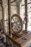Pozo de drenaje del marco de madera Foto de archivo