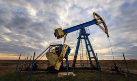 Pozo de funcionamiento del petróleo y gas Foto de archivo libre de regalías