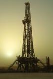 Pozo de petróleo imagenes de archivo