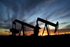 Pozos de petróleo Foto de archivo libre de regalías