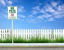pozwolić znaka żadnym zwierzętom domowym obrazy royalty free