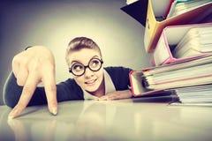 Pozytywna biznesowa kobieta zaczyna pracować Obraz Stock