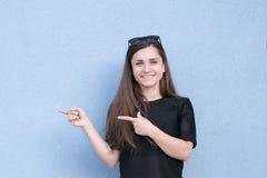 Pozytywny sesja zdjęciowa. słodka dziewczyna obrazy stock