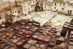 Pozzi di cuoio della conceria e di tintura, Fes, Marocco Fotografie Stock Libere da Diritti
