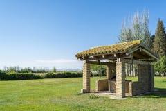 Pozzo d'acqua e prato a Saragozza, l'Aragona, Spagna Fotografia Stock Libera da Diritti
