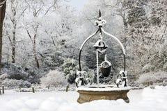 Pozzo d'acqua in neve Fotografia Stock