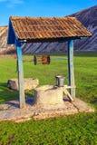 Pozzo d'acqua rustico fotografia stock
