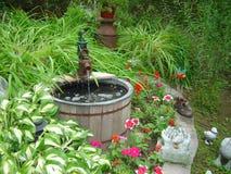 Pozzo del giardino Fotografie Stock Libere da Diritti
