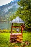 Pozzo di legno rumeno tradizionale fotografia stock libera da diritti