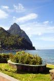 Pozzo di vista dello St Lucia del soufriere della sosta di lungomare immagine stock