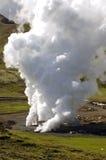 Pozzo geotermico dell'acqua calda Fotografia Stock