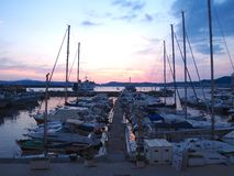 Pozzuoli-Hafen bei Sonnenuntergang Lizenzfreie Stockfotografie