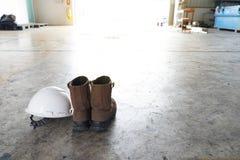PPE del equipo protector personal en fondo de la pizca imágenes de archivo libres de regalías