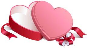 Öppen ask för rosa gåva i hjärtaform Öppen ask för gåva som binds med pilbågen Royaltyfri Foto