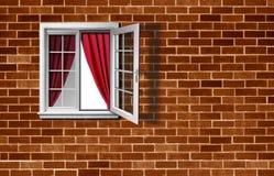 Öppet fönster på tegelstenväggen Royaltyfri Bild