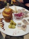 Ppetizing πρόχειρο φαγητό Ð  σε ένα άσπρο πιάτο στοκ εικόνες με δικαίωμα ελεύθερης χρήσης