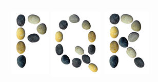 PQR-Buchstaben gemacht von den Kieseln Stockfotos