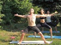 Práctica de la yoga Foto de archivo libre de regalías