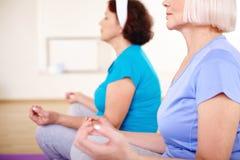 Práctica de la yoga Fotografía de archivo libre de regalías