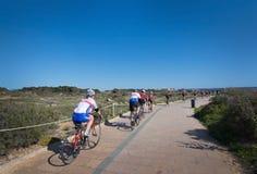 Práctica de los ciclistas Foto de archivo libre de regalías