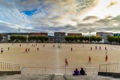 Práctica del fútbol en Vigo - España imagen de archivo libre de regalías