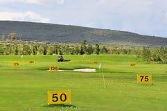 Práctica del golf Fotos de archivo libres de regalías