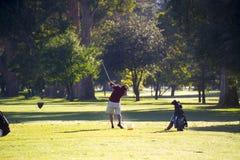 Práctica del golf Imagen de archivo libre de regalías
