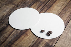 Prácticos de costa y granos de café Imágenes de archivo libres de regalías