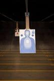 Prática de alvo na escala da arma Fotografia de Stock