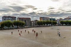 Prática do futebol em Vigo - Espanha fotografia de stock