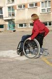 Prática do passeio da cadeira de rodas Imagens de Stock Royalty Free