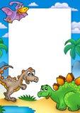 Prähistorisches Feld mit Dinosaurieren Stockbilder