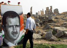 Präsident Assad und die Ruinen von Apemea, Syrien Stockfotografie