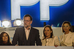Präsident Mariano Rajoy und die Rede der Minister, die Wahlergebnisse feiert Lizenzfreie Stockfotografie