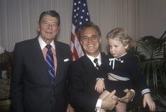 Präsident Ronald Reagan und ein Bewunderer lizenzfreie stockbilder