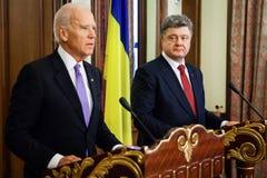 Präsident von Ukraine Petro Poroshenko und Vizepräsident von USA Stockbilder