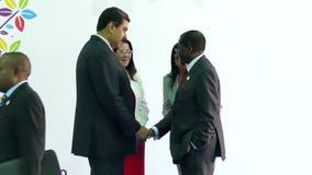 Präsident von Zimbawe Robert Mugabe und venezolanischer Präsident Nicolas Maduro stock footage