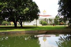 Präsidentenpalast in Bogor, Indonesien lizenzfreie stockbilder