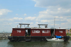 Pråm nummer 79 för Lehigh daljärnväg i Brooklyn Arkivfoton