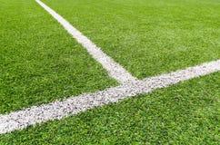 Près de la ligne du terrain de football. Image stock