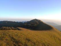 Pré en montagne Photos libres de droits