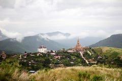 Pré et scène contemporaine de temple Photo stock