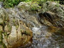 Précipitation de rivière photos stock