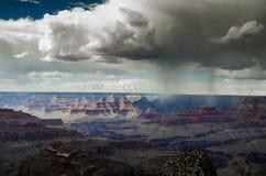Précipitations sur le canyon Image stock