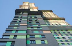 prédio de apartamentos da Hagh-elevação foto de stock