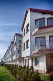 Prédio de apartamentos moderno imagens de stock